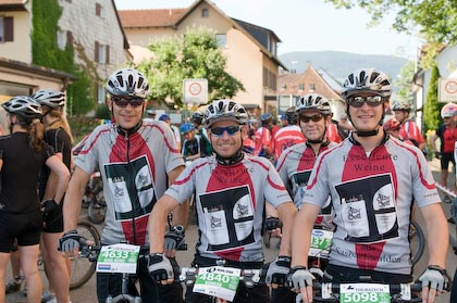 Start des Team Wettbewerbs Ultra Bike Marathon Kirchzarten - Platz 3