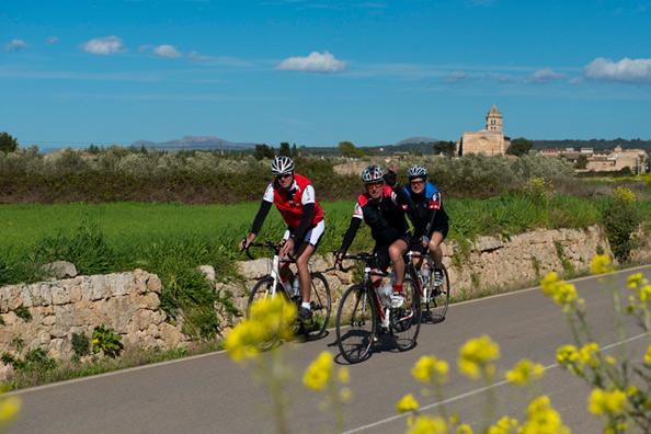 Mallorca im Frühjahr - Saisonstart der Rennradfahrer, Mountainbiker und Triathleten
