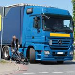 Abbiegeunfälle von Lkw mit Radfahrern haben oft schwerste Folgen,  Quellenangabe / Rechte: ADFC/Jens Lehmkühler