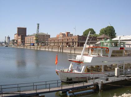 Rheinhafen/MS Karlsruhe