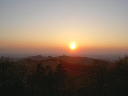 Sonnenuntergang beim Schloss Staufenberg