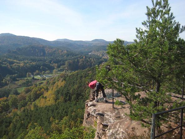 Das Felsmassiv ist beliebt bei Kletterern