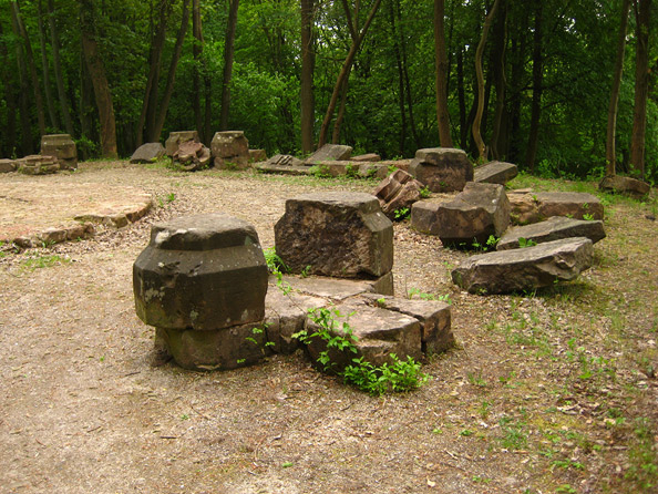 Reste des Winterbergdenkmals