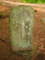 Dreieckstein mit Stiftsangel des Chorherrenstiftes