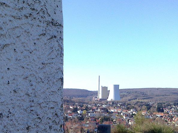 Monte Barbara Bexbach, Blick aufs Kraftwerk