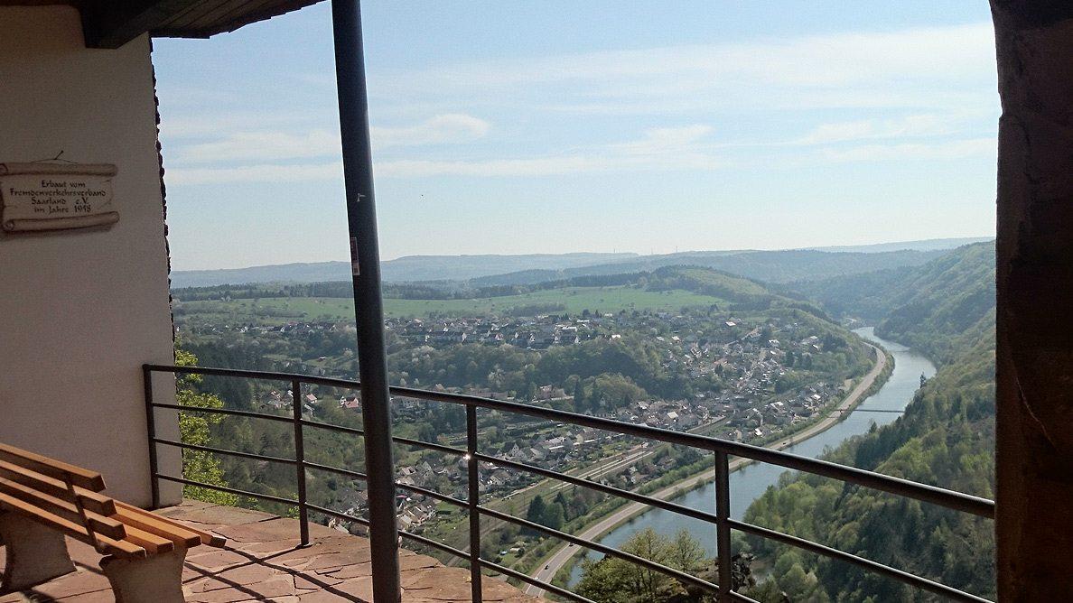 Aussichtsplattform Vogelfelsen Saarhölzbach