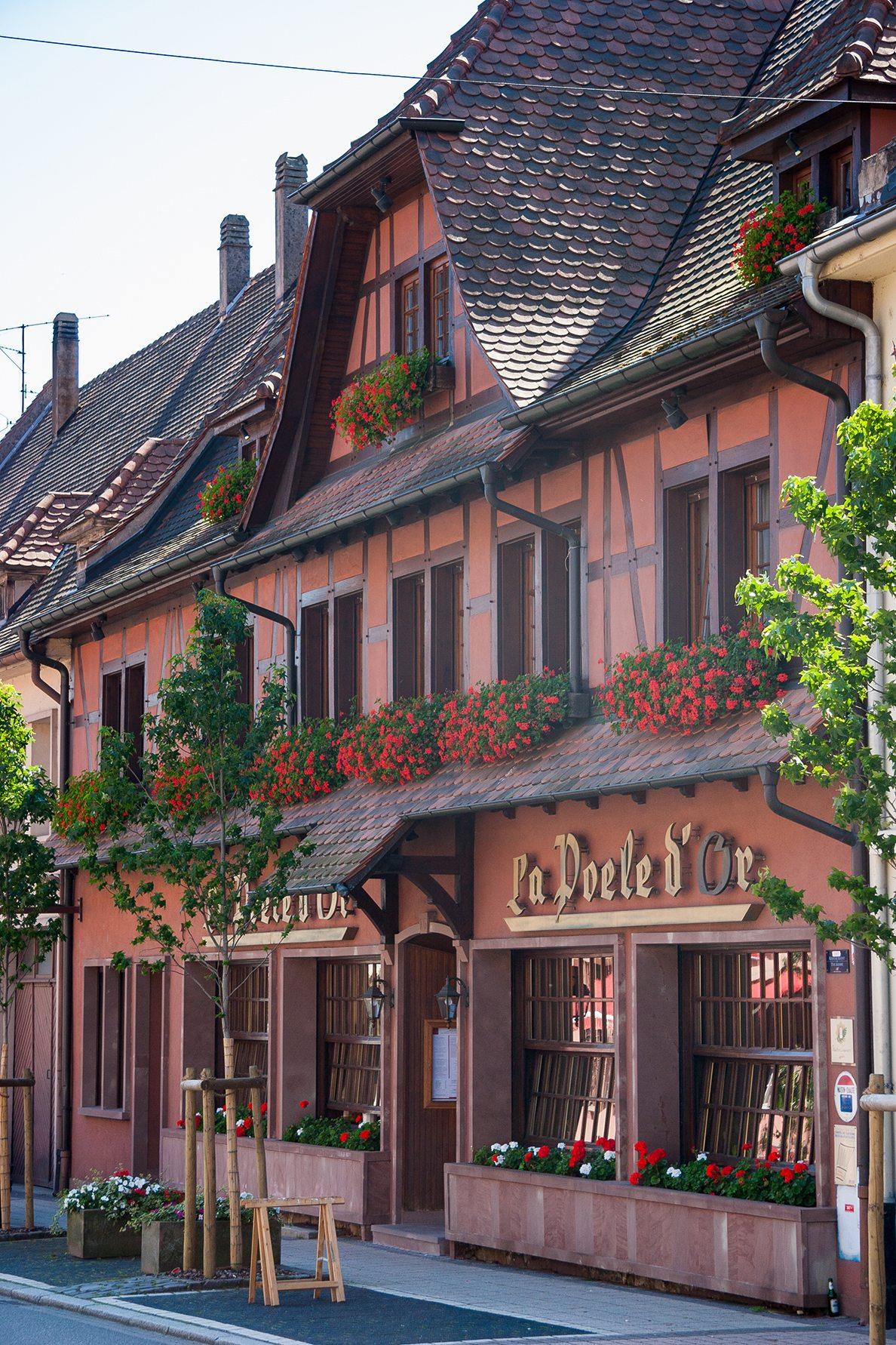 Französische Straßencafés