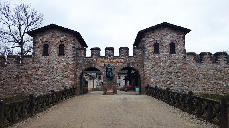Porta Praetoria der Saalburg