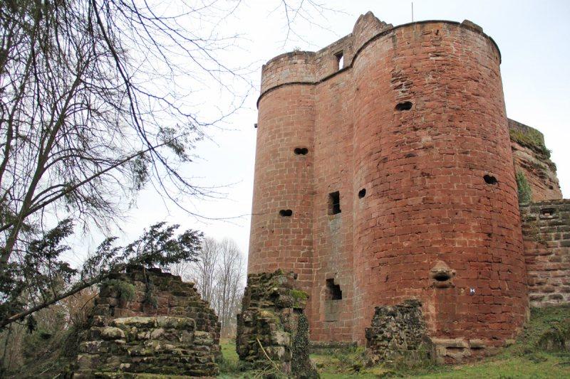 Batterieturm der Burg Neudahn